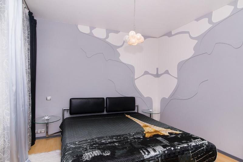 2к квартира улица Молокова, 1 к4, Россия   17000   аренда в Красноярске фото 2