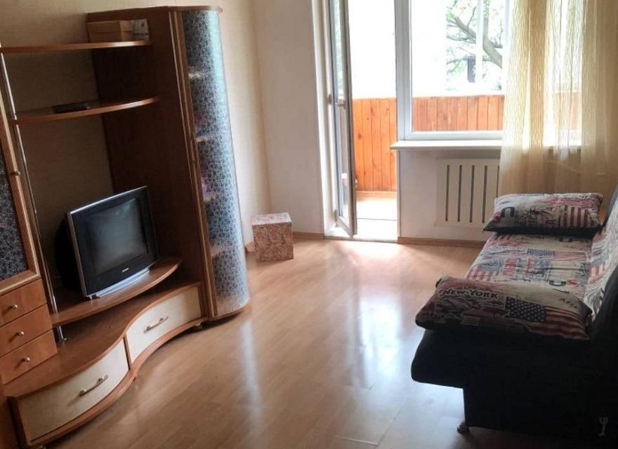 1к квартира улица Александра Матросова, 9   12000   аренда в Красноярске фото 0