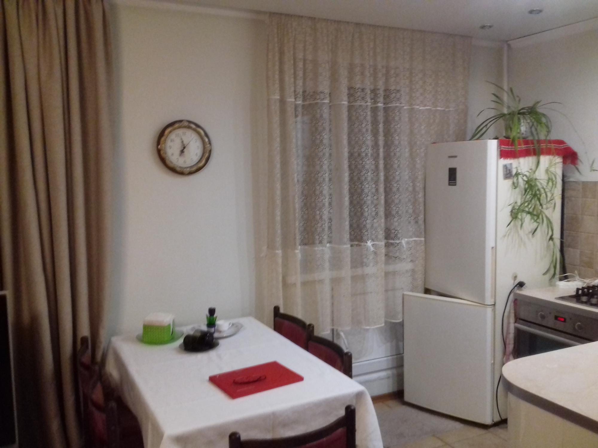 1к квартира улица Александра Матросова, 21   25000   аренда в Красноярске фото 1