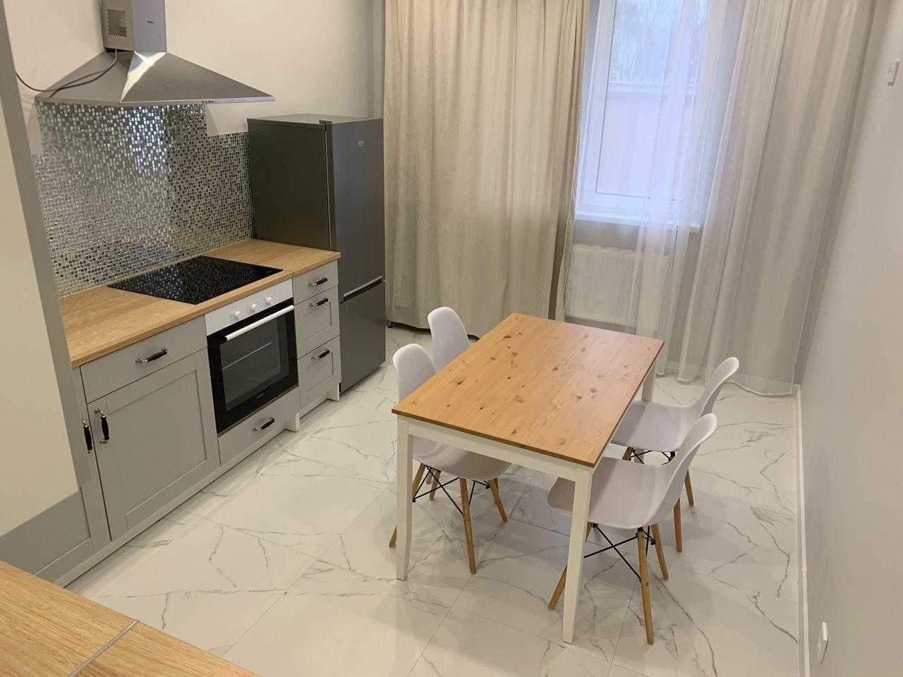 1к квартира Взлётка, 7-ой микрорайон, улица Батурина, 19 | 12000 | аренда в Красноярске фото 2