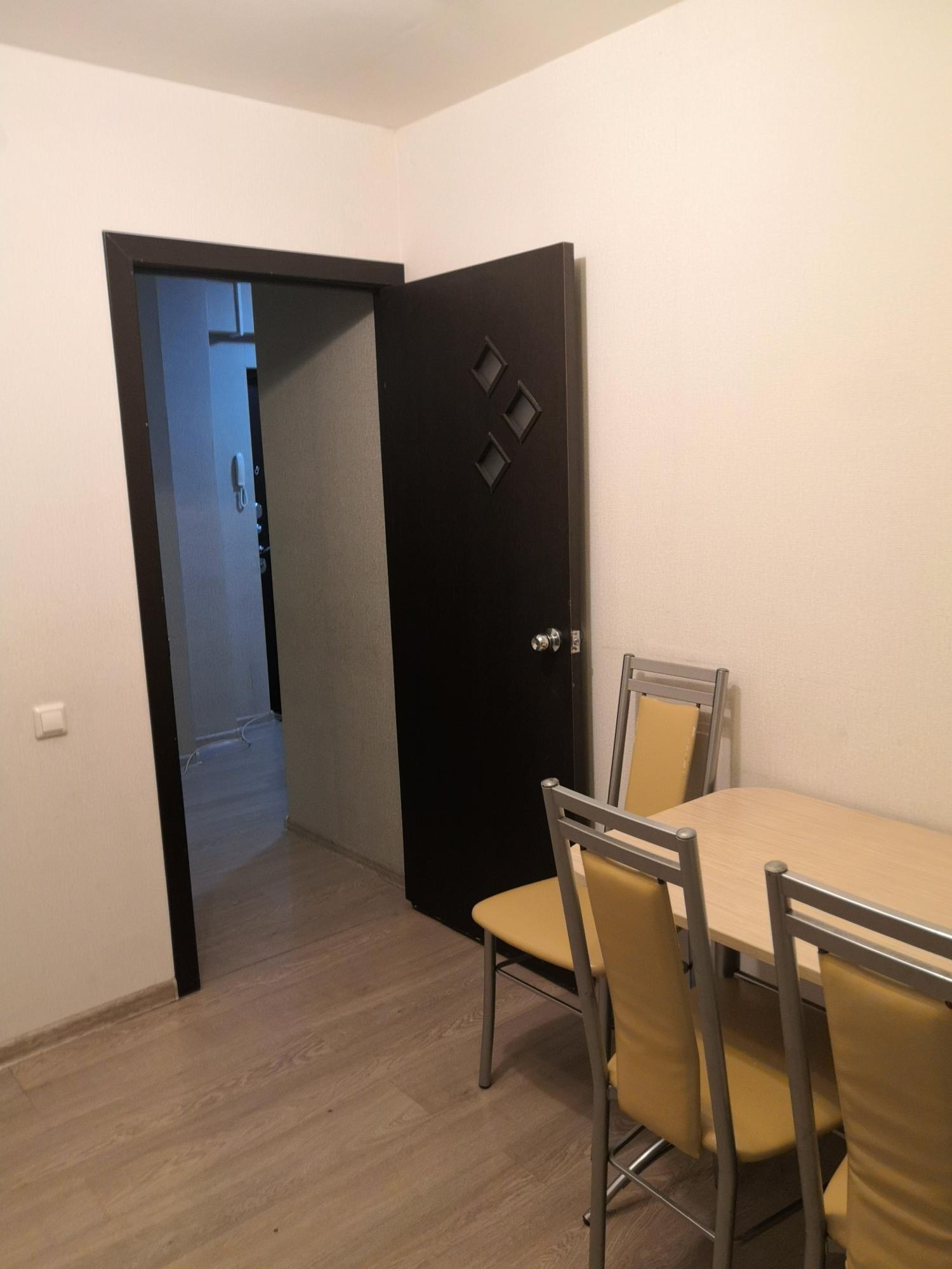 2к квартира Караульная улица, 38   18000   аренда в Красноярске фото 10