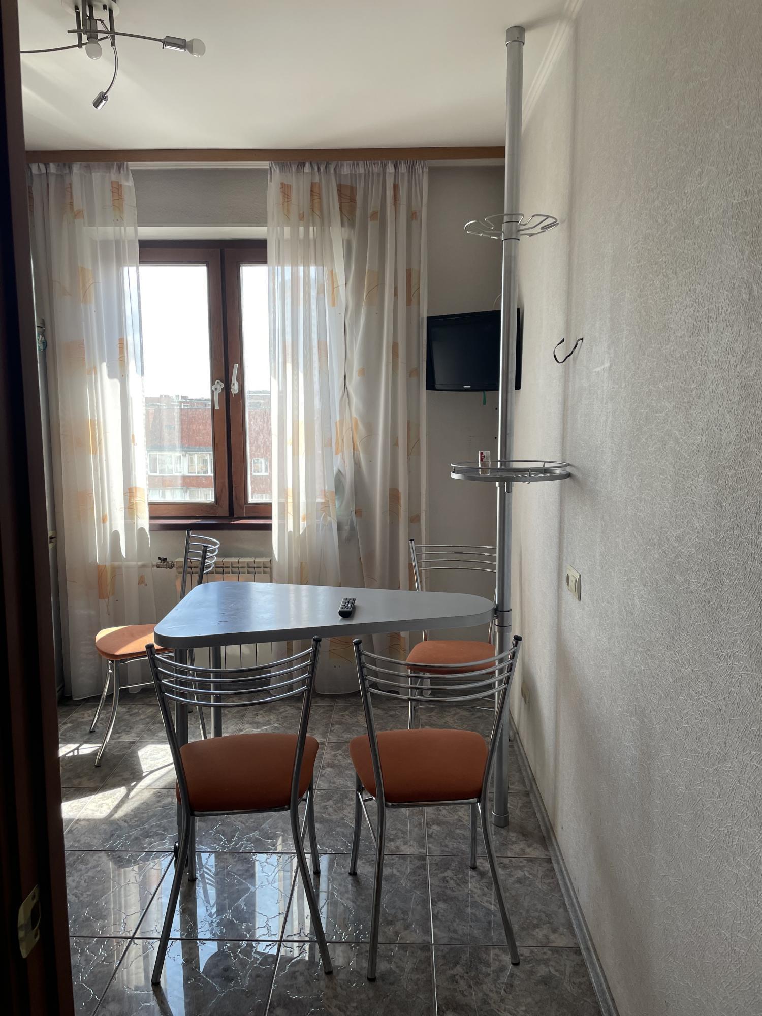 2к квартира улица 78-й Добровольческой Бригады, 4   23000   аренда в Красноярске фото 6