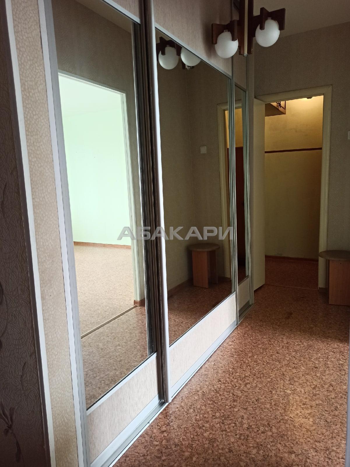 1к квартира Свободная улица, 5Г 9/10 - 42кв   10000   аренда в Красноярске фото 1